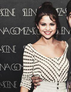 #SelenaGomez