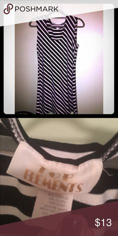 B&W striped dress Size medium. Very comfortable & classy. Make an offer! Dresses