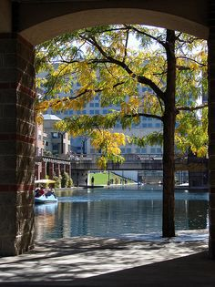 Downtown Canal Walk, Indianapolis, Indiana.  Photo: mrgraphic2 via Flickr