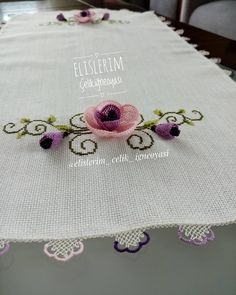 Needle Lace, Bargello, Needlepoint, Diy And Crafts, Stitches, Instagram, Decorative Towels, Crafts, Hipster Stuff