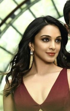 Indian Actress Images, Indian Actresses, Turkish Beauty, Indian Beauty, Beautiful Gorgeous, Beautiful Women, Kiara Advani Hot, Kaira Advani, Teenage Girl Photography