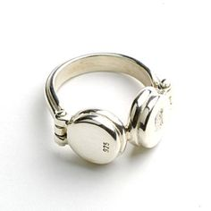 Sterling silver headphones ring...as a fanson, I seriously need this ring!!!!