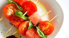 Watermelon and Tomato Skewers - I turned this into a salad. Cut the basil into ribbons toss with the vinegar, oil, salt and pepper. Spicy Appetizers, Easy Appetizer Recipes, Easy Dinner Recipes, All Bran, Vegetarian Recipes, Healthy Recipes, Tasty Bites, Side Dish Recipes, Side Dishes
