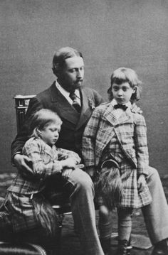 William & Daniel Downey - Alfred, Duke of Edinburgh, with Prince Albert Victor and Prince George of Wales, 1871 [in Portraits of Royal Children Victoria Family Tree, Queen Victoria Family, Queen Victoria Albert, Queen Victoria Children, Alexandra Of Denmark, Princess Alexandra, British Monarchy, Prince Albert, Prince And Princess