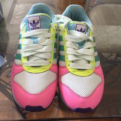 Adidas women Slightly worn Adidas Shoes Sneakers