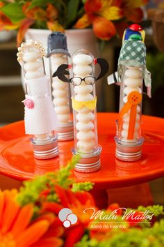 decoração chaves Voss Bottle, Birthday Parties, Rave, Valentino, Baby Shower, Table Decorations, Party, Lucca, Baby Party