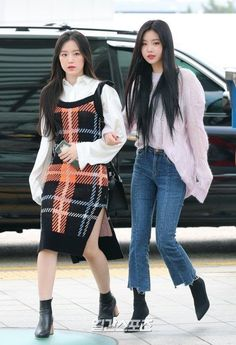 Fashion Idol, Blackpink Fashion, Kpop Fashion Outfits, Urban Fashion, Casual Asian Fashion, Korean Girl Fashion, Korean Street Fashion, Korean Airport Fashion Women, Airport Fashion Kpop