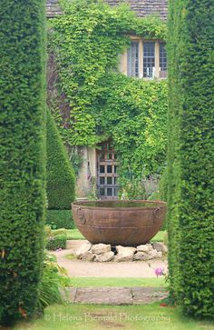 I *need* a cauldron that big! (Abbey House and Gardens).
