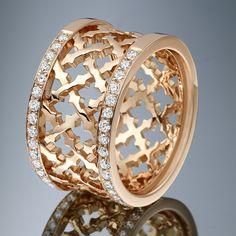 Chaque pièce de joaillerie Azuelos porte en elle l'empreinte des courants actuels avec la garantie de la manufacture Azuelos: des creations sublimes alliant finesse, originalité et authenticité.