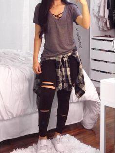 Outfits con bralettes para llevar a la escuela sin sentirte muy exhibicionista