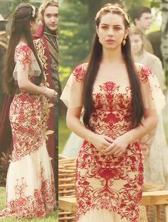 Queen Mary, Adelaide Kane, CW's Reign (TV show) - beautiful red embellishments on her dress. Reign Fashion, Fashion Tv, Empire Fashion, Adelaide Kane, Dream Dress, I Dress, Pretty Dresses, Beautiful Dresses, Mary Stuart