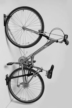 Bike+Bracket+Expensive+Bikes+NYC.jpg (427×640)