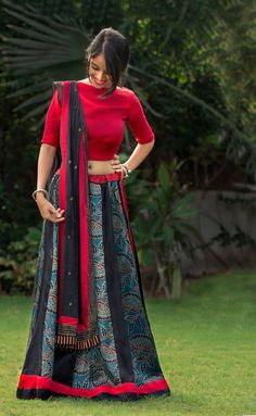 Trendy unseen Navratri Chaniya Choli Designs from Local stores - LooksGud.in Trendy unseen Navratri Chaniya Choli Designs from Local stores - LooksGud. Choli Blouse Design, Choli Designs, Lehenga Designs, Blouse Designs, Dress Designs, Garba Chaniya Choli, Garba Dress, Navratri Dress, Lehenga Choli