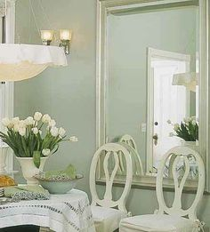 Hollingsworth Green (HC 141) - Benjamin Moore