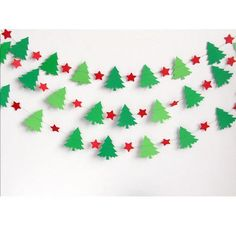 Diy christmas crafts 551972498077235154 - 17 Magical Christmas Banner Designs You Can Make By Yourself Source by gustysan Holiday Banner, Christmas Tree Garland, Christmas Banners, Magical Christmas, Christmas Paper, Christmas Crafts For Kids, Christmas Projects, Holiday Crafts, Diy Christmas Wall Decor
