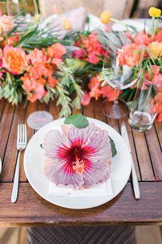 Blog - Tropical Hawaiian Beach Wedding