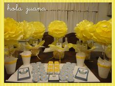 Centros de mesa (topiarios pompon) Monedas de chocolate personalizadas, Chocolatines personalizados, Estampitas,