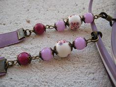 c4236d482b Cordón para las gafas en violeta con perlas, Precio:7€ // Cord for the  glasses in violet with pearls, Precio:7 € //