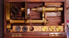 Mikroskop aus Bronze, 1890 - 1900, Paul Waechter, Friedenau bei Berlin  Wert 450 €