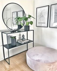 Så fint vårt avlastningsbord med spegeltopp är hemma hos @carolinejansson85 _________________________________________________… Home Living Room, Living Room Decor, Bedroom Decor, Flur Design, First Apartment Decorating, Shelf Furniture, Hallway Designs, Beautiful Interior Design, Home Room Design