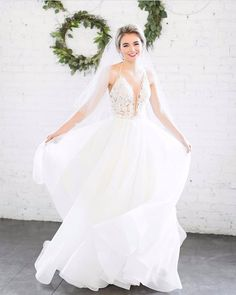 Trying desperately to keep our jaws from hitting the floor!#style4752#palomablancabridal Photo: @alexandraleephoto
