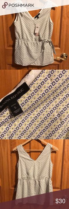 Banana Republic blouse Adorable blouse with ties and elastic waist. With tags never been worn! Banana Republic Tops Blouses