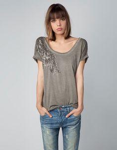 Bershka Serbia - Bershka shoulder appliqué T-shirt