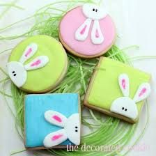 hoppy easter How to decorate peeking bunny cookies for Easter. Fun and cute treat for Easter with cut-out sugar cookies, royal icing, and fondant decorations. Iced Cookies, Cut Out Cookies, Cute Cookies, Easter Cookies, Holiday Cookies, Cupcake Cookies, Sugar Cookies, Cookie Favors, Baby Cookies