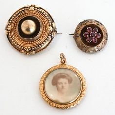Sold lot of 3 Mourning Jewelry Pieces : Lot 142 from live auctioneers at http://www.liveauctioneers.com/item/29065674_lot-of-3-mourning-jewelry-pieces