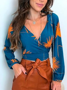 42 Women& Blouses That Will Make You Look Fabulous outfit fashion casualoutfit fashiontrends 42 Womens Blouses That Will Make You Look Fabulous outfit fashion casualoutfit fashiontrends Modest Fashion, Trendy Fashion, Fashion Looks, Fashion Outfits, Fashion Trends, Stylish Outfits, Cute Outfits, Blouses For Women, Women's Blouses