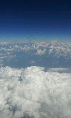 뱅기에서 찍은 예쁜 구름