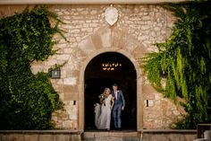 Outdoor destination wedding at Torre Veguer, Sitges, Barcelona photographed by Andreu Doz Photography Best Wedding Destinations, Best Wedding Venues, Wedding Blog, Destination Wedding, Barcelona, Going To Rain, Sitges, Here Comes The Bride, Spain