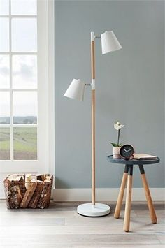 Light up your home: verlichting trends 2014 Modern Stools, Modern Floor Lamps, Modern Lighting, Wooden Chandelier, White Floor Lamp, Scandinavian Home, Home And Living, Living Room, Home Accessories