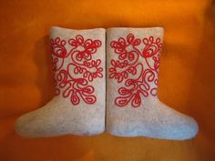 Russian style.Valenki are traditional Russian winter footwear.Valenki are made of wool felt.