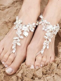 Barefoot crystal sandals for beach wedding pic.twitter.com/7iBoHwLbgm