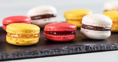 Macaroons by Greek chef Akis Petretzikis. Make these beautiful, delicious, colorful macarons with various fillings for the perfect treat at any party! Best Dessert Recipes, Sweets Recipes, Raw Food Recipes, Fun Desserts, Cookie Recipes, Delicious Desserts, Macarons, Proper Tasty, Greek Sweets