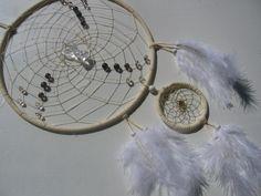 Weißer Traumfänger mit kleinem Engel-Beschützer von Hochwertige  Traumfänger, Schmuck, Bilder u.v.m. auf DaWanda.com