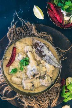 Rajasthani Safed Maas is a mutton based gravy that has a luscious texture and royal white colour derived from fresh cream, yogurt, khoya and dry fruits.