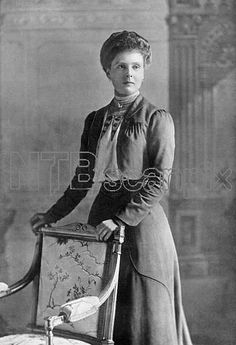 PRINCESS ALICE OF ALBANY COUNTESS of ATHLONE (1883 - 1981) Granddaughter of Queen Victoria, wife of Prince Alexander of Teck. Pictured at the time of her marriage.