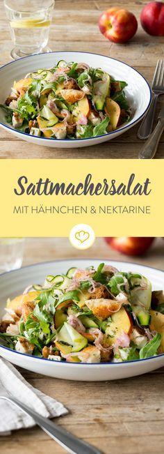 Ein leichter Sattmacher-Salat, der ohne weiteres als ganzes Gericht durchgeht. Selbst die Brotbeilage kann man sich sparen.