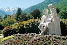Luchon Pyrenees French Beauty, France, Amazing Places, Mount Rushmore, The Good Place, Garden Sculpture, Spain, Mountains, Outdoor Decor
