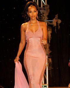 Black 90s Fashion, 2000s Fashion, Runway Fashion, High Fashion, Fashion Show, Vintage Fashion, Fashion Fashion, Classy Outfits, Girl Outfits