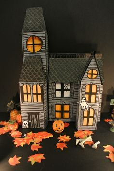 Halloween Special - A Decorative Haunted House Papercraft Projectby Deco France Casa Halloween, Halloween Village, Halloween Door Decorations, Halloween Haunted Houses, Outdoor Halloween, Holidays Halloween, Halloween Crafts, Happy Halloween, Deco Haloween