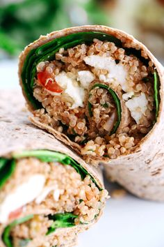 You'll LOVE these Healthy Quinoa Egg White Breakfast Wraps! Super easy to make, packed with tons of protein and perfect to grab on-the-go! @AllWhites Eggs #allwhiteseggwhites #ad
