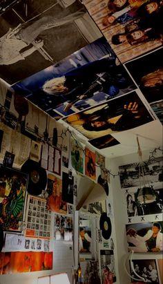 Room Design Bedroom, Room Ideas Bedroom, Grunge Bedroom, Punk Bedroom, Rock Room, Chill Room, Retro Room, Indie Room, Aesthetic Room Decor