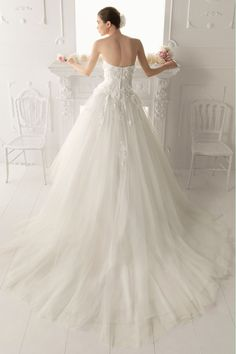 2014 Sweetheart Embellished Bodice A Line Wedding Dress With Detachable Straps Tulle