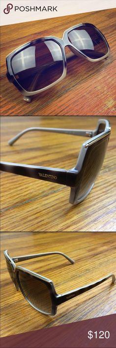 NWOT. Valentino sunnies. A classy classic. Never worn. No case. No trades. Valentino Accessories Sunglasses