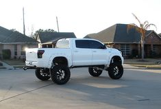 White Lifted Toyota Tundra with RBP 96R Gloss Black with Machined Face Wheels.