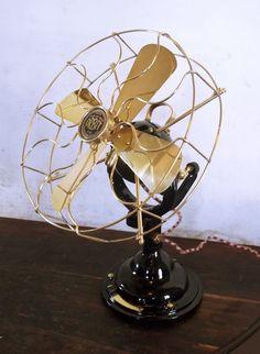 Verity's Orbit antique fan, 1922. Antique Fans, Vintage Fans, Old Fan, Modern Fan, Electric Fan, Jukebox, History, Retro, Tv