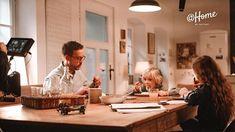 """Und was gibts bei euch heute Gutes?  In unserer IG-Story-Serie haben wir heute einen Tipp zur """"Restlverwertung"""" aus dem Kühlschrank - und natürlich noch viel mehr.  #Throwback zum @schaerdinger.at Dreh vor einigen Wochen Desk, Furniture, Home Decor, Do Your Thing, Tips, Desktop, Decoration Home, Room Decor, Table Desk"""